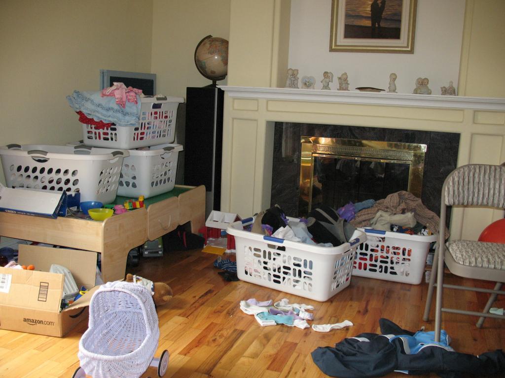 Como organizar una casa muy desordenada free como organizar la habitacion de una nia tween o - Como limpiar una casa muy sucia ...
